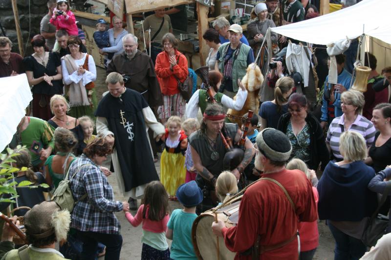 img_0107-burg-und-klosterfest-oybin-2013