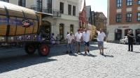 p1270360-loeber-bierwagenziehen-2013_02