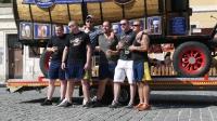 p1270376-loeber-bierwagenziehen-2013_02