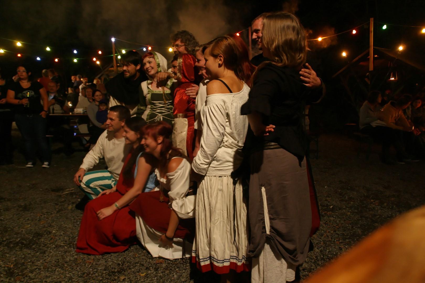 img_1463mittelalterliche_hofepark_zu_schoenbach